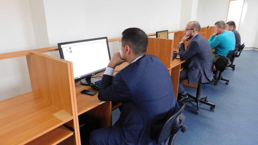 Лучшие инженерно-технические работники Югры проверили свои знания в Ханты-Мансийске